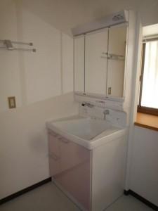 TOTO 洗面化粧台 サクア 三面鏡付 タオルかけ4枚タイプ