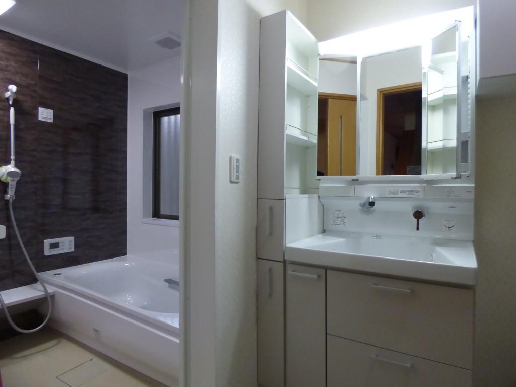 洗面化粧台 TOTO サクア750+150