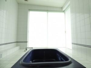 浴室用ロールスクリーン